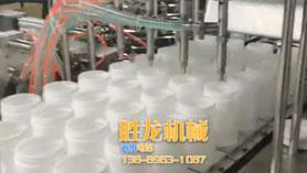 桶装湿巾灌装封口贴标流水线